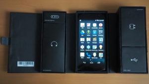 YotaPhone2 (2)